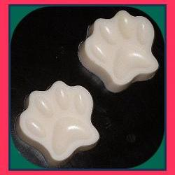 Dog Shampoo Bar made with goat&#039;s milk - Honey Almond Scented 4 oz
